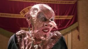 Une Anjelica Huston méconnaissable dans le film Sacrées Sorcières, produit en 1990 par les frères Warner et basé sur le livre de Roald Dahl. (Crédits : autorisation)
