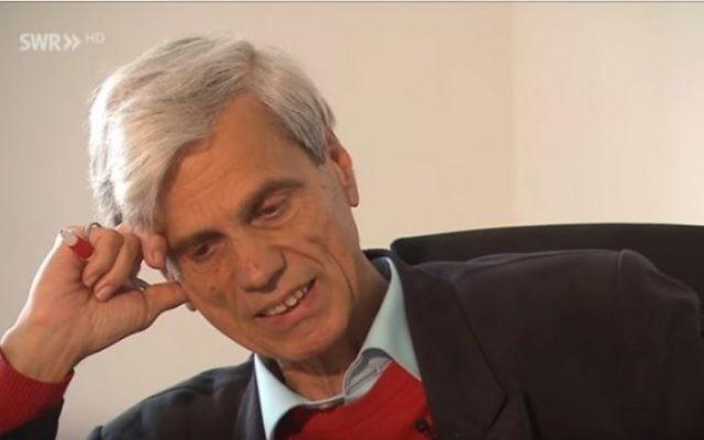 Wolfgang Gedeon, député du parti Alternative pour l'Allemagne (Afd), à la télévision allemande le 2 juin 2016. (Crédit : capture d'écran YouTube)