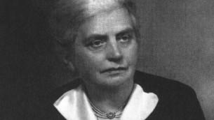 La députée Eleanor Rathbone, morte en 1946, avait dévoué la plupart de sa carrière parlementaire à travailler pour les réfugiés. (Crédit : autorisation)