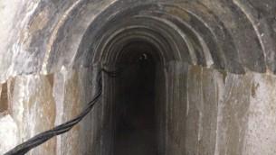 Tunnel découvert entre la bande de Gaza et Israël, le 13 octobre 2013. (Crédit : Times of Israel/Mitch Ginsburg)