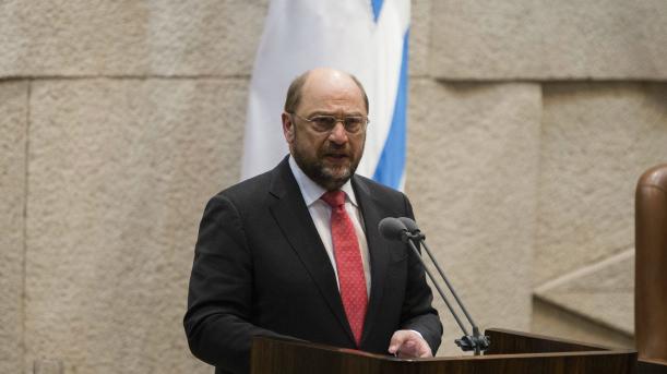 Le président du parlement européen Martin Schulz devant la Knesset, le parlement israélien, à Jérusalem, le 12 février 2014. (Crédit : Flash90)