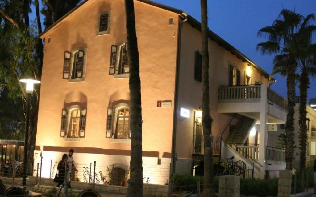 La Weller House de Sarona remonte aux années 1930 et a été utilisée par la Haganah après que les britanniques aient quitté en 1947. (Photo: Shmuel Bar-Am)