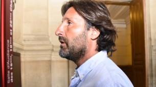 Arnaud Mimran au tribunal de Paris, le 7 juillet 2016 (Crédit : AFP / BERTRAND GUAY)