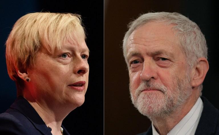 La députée du Labour Angela Eagle (à gauche) et le chef de l'opposition britannique du parti Travailliste Jeremy Corbyn (Crédit : Leon Neal/Daniel Leal-Olivas/AFP)
