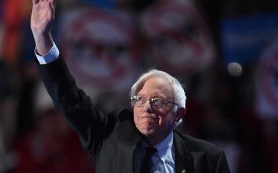 Bernie Sanders, sénateur du Vermont et ancien candidat à la primaire démocrate, au premier jour de la Convention nationale démocrate, à Philadelphie, le 25 juillet 2016. (Crédit : AFP/Robyn Beck)