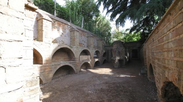 Une zone juste au-dessus de la catacombe romaine di Vigna Randanini (Crédit : Rossella Tercatin/Times of Israel)
