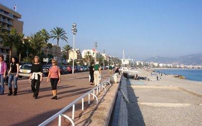 La Promenade des Anglais à Nice (Crédit : Me - Bhu z Crecelu/Wikimedia commons)