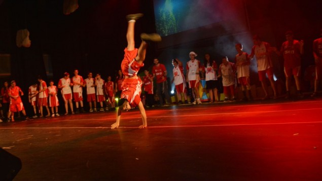 Les jeunes de Shalva ont repoussé leurs limites sur scène (Crédit : autorisation Shalva)