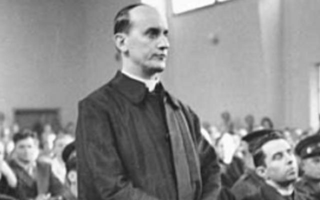 Alojzije Stepinac à son procès (Crédit : domaine public)