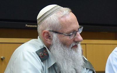 Le rabbin colonel Eyal Karim, le 21 avril 2016. (Crédit : Diana Khananashvili/ministère de la Défense)