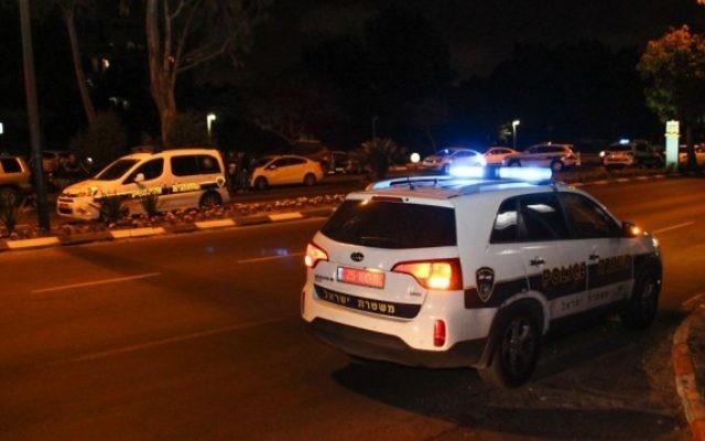 La police sur une scène de crime à Tel Aviv. Illustration. (Crédit : Moti Karelitz/Flash90)