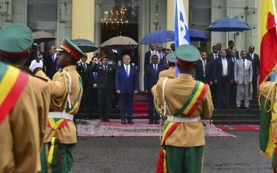 Le Premier ministre Benjamin Netanyahu rencontre le Premier ministre éthiopien Hailemariam Desalegn, à Addis Abeba, en Ethiopie, le 7 juillet 2016 (Crédit : Kobi Gideon/GPO)