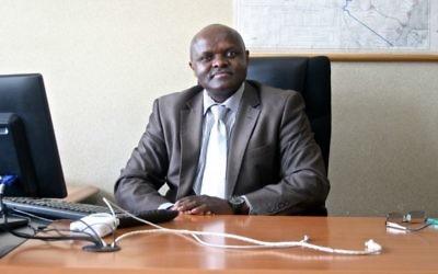 Le porte parole du ministère de l'Intérieur, Mwenda Njoka, explique que sans la coordination kenyane, l'opération d'Entebbe aurait été impossible (Crédit : autorisation)