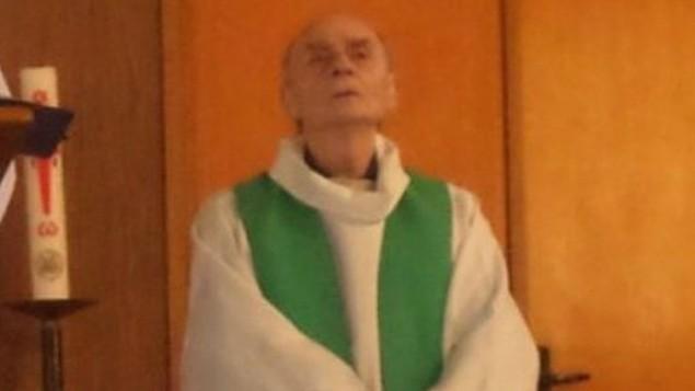 Jacques Hamel, prêtre français de 84 ans qui a été tué pendant une attaque revendiquée par l'Etat islamique dans son église de Saint-Etienne-du-Rouvray, en Normandie, le 26 juillet 2016. (Crédit : Twitter)
