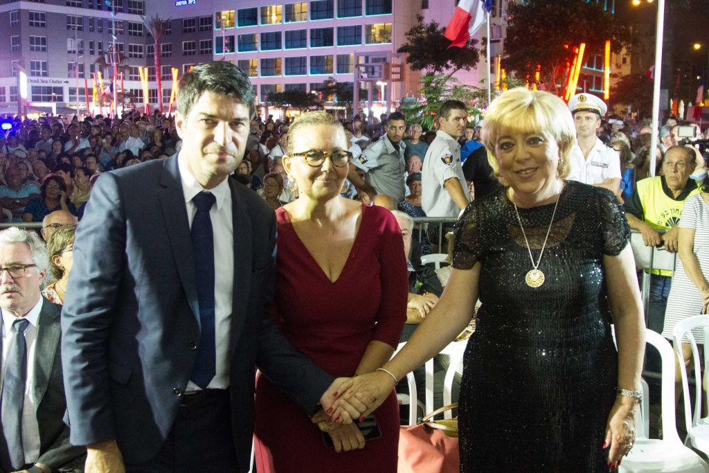 L'ambassadeur de France Patrick Maisonnave, la Maire de Netanyah Myriam Fireberg et l'adjointe au maire de Nice, Martine Ouaknine (Crédit : Marine Crouzet / Ambassade de France en Israël)