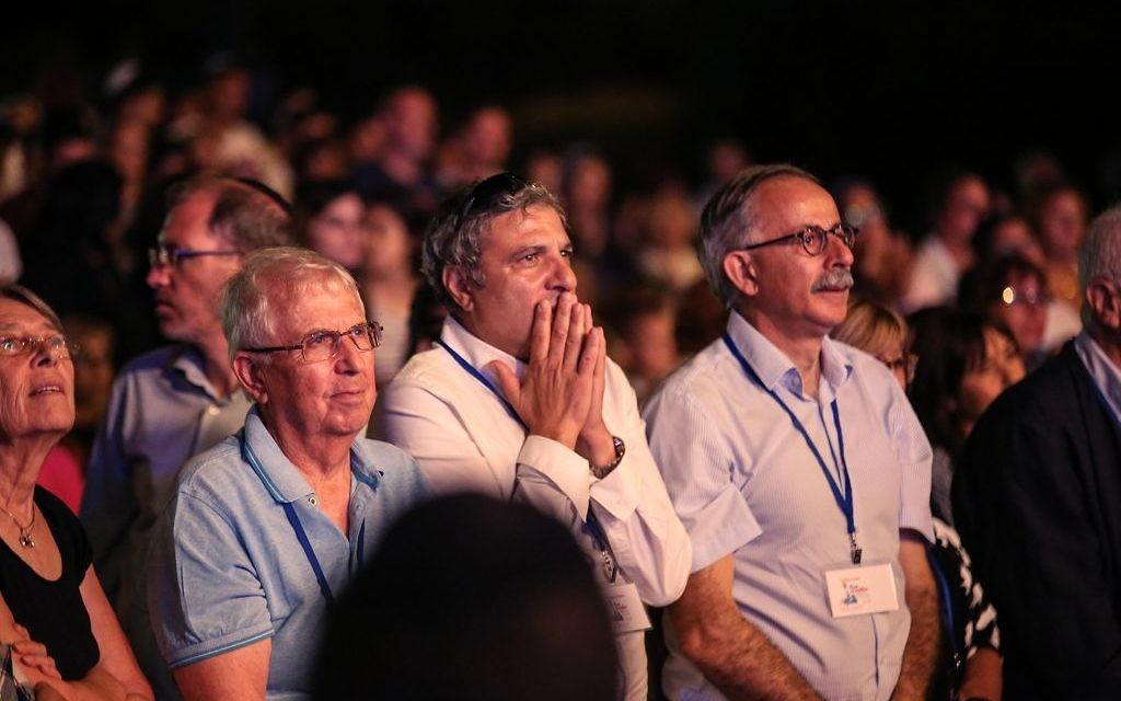 Des spectateurs lors de l'Olimpiada de Jérusalem, le 30 juin 2016. (Crédits : autorisation)