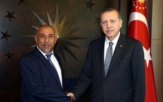 Le député Taieb Abou Arar, de la Liste arabe unie, et le président turc Recep Tayyip Erdogan. (Crédit : autorisation)