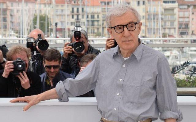 """Le réalisateur américain Woody Allen au Festival de Cannes pour le film """"Café Society"""" projeté avant la cérémonie d'ouverture du 69° Festival, le 11 mai 2016. (Crédit : AFP/Alberto Pizzoli)"""