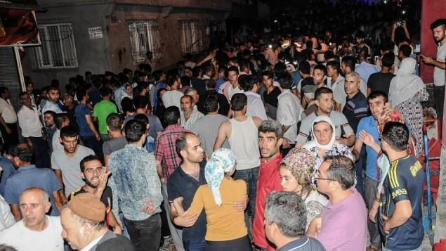 Scène d'un attentat suicide pendant un mariage, à Gaziantep, en Turquie, le 20 août 2016. (Crédit : AFP/STR)