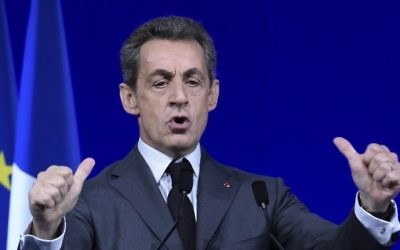 Nicolas Sarkozy, ancien président français et dirigeant du parti de droite Les Républicains pendant le conseil national du parti à Paris, le 13 février 2016. (Crédit : AFP/Lionel Bonaventure)