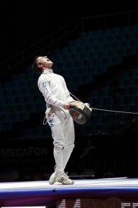 Yuval Freilich après avoir remporté les Championnats du Monde Cadets en 2012 à Moscou (Crédit : Autorisation de Rachael Freilich)