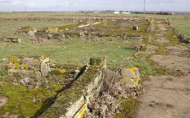 Vestiges du camp de concentration de Montreuil-Bellay (Crédit : Wikipédia)