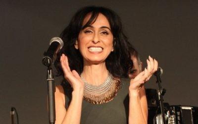 La chanteuse israélienne Rita en 2011 (Crédit : Meir Partush/Flash90)