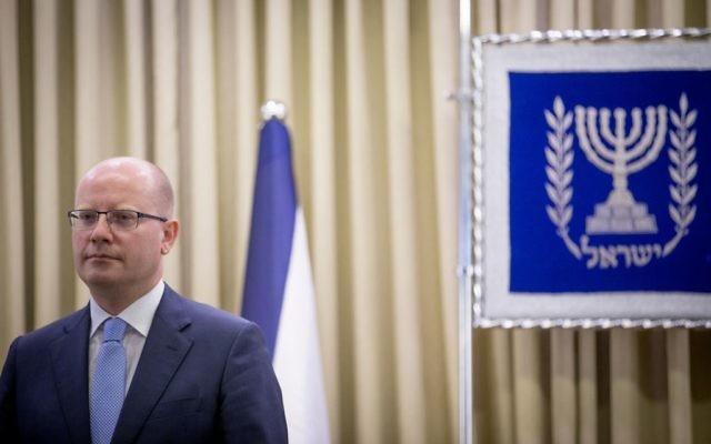 Le Premier ministre tchèque Bohuslav Sobotka avant une rencontre avec le président Reuven Rivlin à la résidence présidentielle de Jérusalem, le 22 mai 2014. (Crédit : Yonatan Sindel/Flash90)