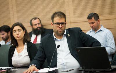 Oren Hazan, député du Likud, à la Knesset, le 20 juin 2016. (Crédit : Miriam Alster/Flash90)