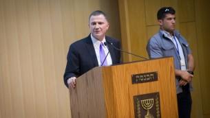 Le président de la Knesset Yuli Edelstein lors d'un événement au parlement israélien, le 12 juillet 2016 (Crédit : Miriam Alster / FLASH90)
