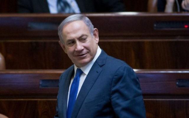 Le Premier ministre Benjamin Netanyahu pendant une session plénière de la Knesset, le 1er août 2016. (Crédit : Yonatan Sindel/Flash90)
