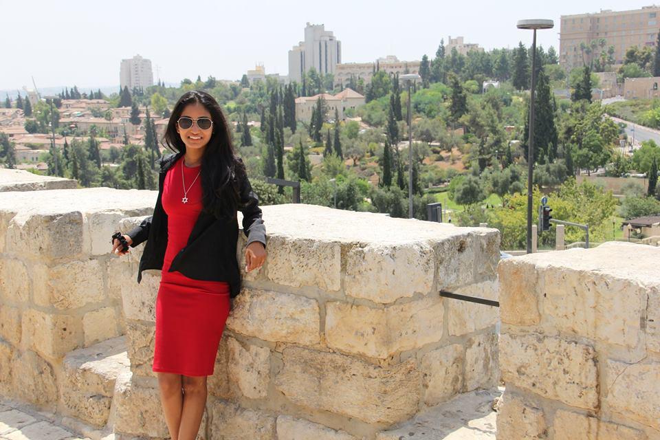 Shanel Jacobs, une étudiante à l'UOIT, au cours d'une formation au Hasbara Fellowship Canada à Jérusalem, Israël, en août 2016 (Crédit : Autorisation)