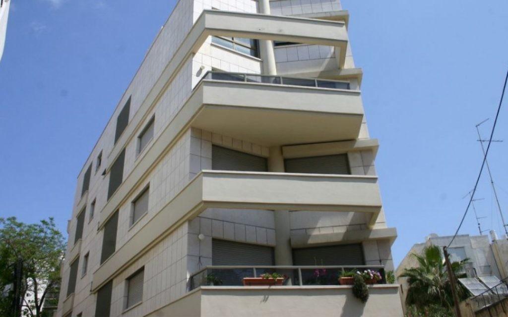 Architecture Bauhaus rue Amos. (Photo: Shmuel Bar-Am)
