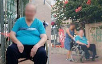 Une vieille dame en fauteuil roulant a été attachée à une clôture devant le centre commercial de Ramat Gan pendant au moins 40 minutes, le 2 août 2016, provoquant une enquête de la police après qu'une passante ait pris une photo (Crédit : la Deuxième chaîne)