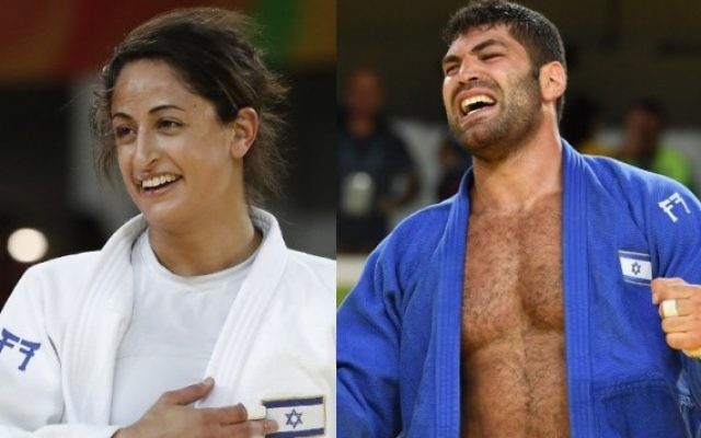 Les judokas israéliens Yarden Gerbi (à gauche) et Or Sasson (à droite) ont chacun remporté une médaille de bronze en judo aux Jeux olympiques de Rio, les 9 et 12 août 2016. (Crédit : AFP/Jack Guez, Toshifumi Kitamura)