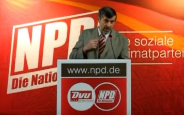 Le politicien d'extrême-droite Hans Püschel (Crédit : YouTube/infothekdessau)