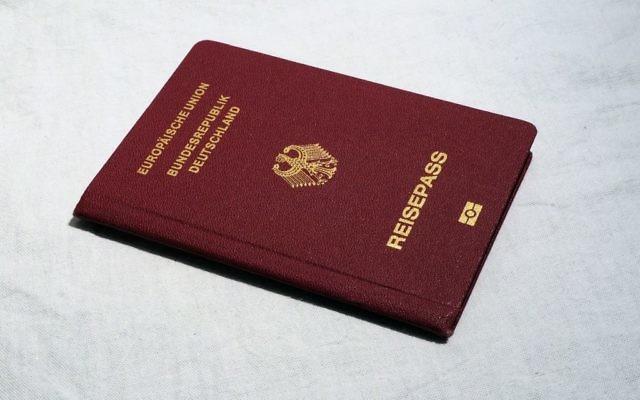 Passeport allemand (Crédit : Pixabay)