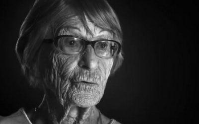 Brunhilde Pomsel, l'anciennne secrétaire personnelle du ministre nazi de la propagande Joseph Goebbels, dans un film sur sa vie, 'Une vie allemande'. (Crédit : capture d'écran YouTube)