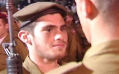 Michael Levin lors de sa cérémonie de prestation de serment dans l'armée israélienne (Autorisation: Lone Soldier Center)
