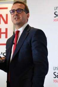 Le candidat au leadership du parti travailliste, Owen Smith, prononçant un discours sur le Service national de la santé à l'université de Salford à Salford, au nord ouest de l'Angleterre, le 15 août 2016 (Crédit : AFP PHOTO / PAUL ELLIS)