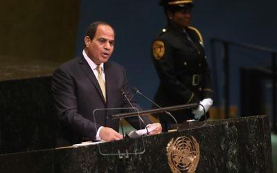 Le président égyptien Abdel Fattah al-Sissi s'exprime devant la 71e Assemblée générale des Nations unies; à New York, le 20 septembre 2016. (Crédit : John Moore/Getty Images/AFP)
