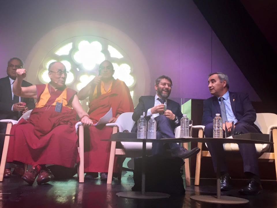 Table ronde inter-religieuse à Paris (Crédit : Facebook/Haim Korsia - Grand Rabbin de France)