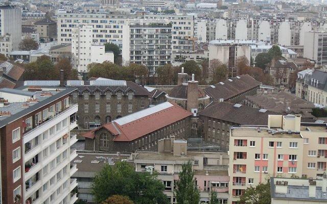 La prison de la Santé, à Paris, France. (Crédit : Michael C. Berch/Wikimedia commons)