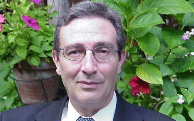 Charles Baccouche a chois de rester en France et de combattre l'antisémitisme dans les tribunaux, même s'il pourrait prendre sa retraite. (Crédit : autorisation)