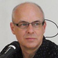Le musicien et compositeur britannique Brian Eno. (Crédit : CC-BY-2.0 / cosciansky / Wikimedia)