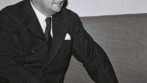 Maurice Bourgès-Maunoury rencontre Levi Eshkol lors d'une visite en Israël (Crédit : domaine public)