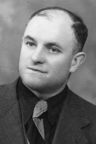 Marcel Hoffmann était l'un des 24 travailleurs des chemins de fer français qui a aidé à sauver des enfants juifs de la déportation par les forces d'occupation nazies le 11 septembre 1942. (Crédit : autorisation France TV via JTA)