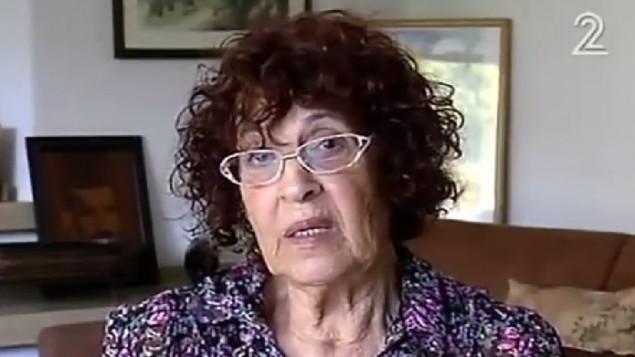 Nadia Cohen, la veuve de l'agent du Mossad Eli Cohen, exécuté en Syrie en 1965, sur la Deuxième chaîne, le 20 septembre 2016. (Crédit : capture d'écran Deuxième chaîne)
