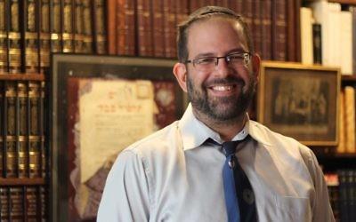 Le rabbin Neil Blumofe de la congrégation Agudas Achim à Austin, au Texas, le 31 août 2016. (Crédit : Ricky Ben-David)