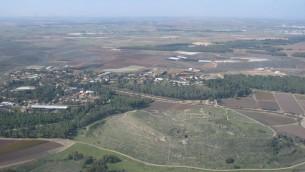 Vue aérienne de Tel Lachish  (CC BY-SA אסף.צ, Wikimedia Commons)